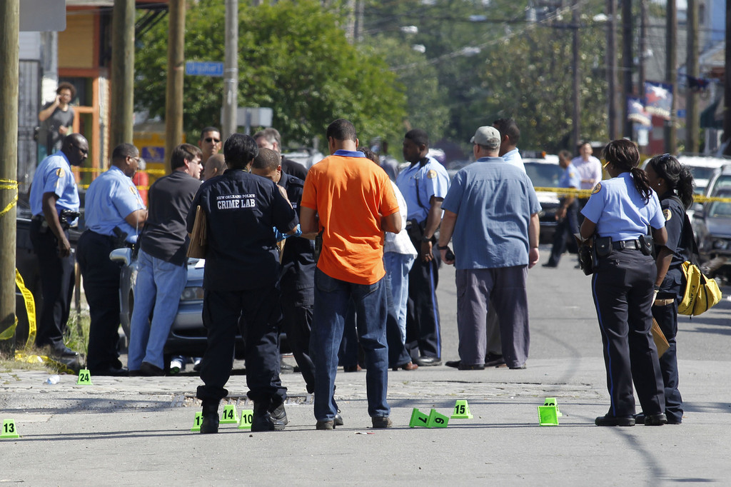 New orleans police department investigate shooting zimbio for Police orleans