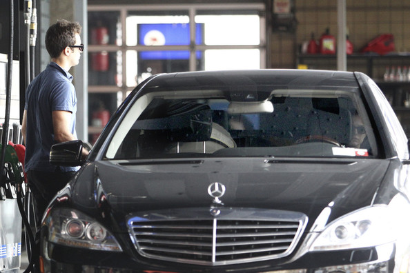 photo of Natalie Portman  Mercedes-Benz S-Class  - car