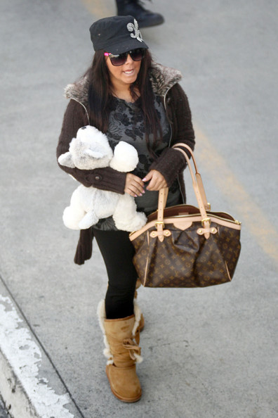 "Nicole Polizzi ""Jersey Shore"" stars Nicole ""Snooki"" Polizzi and Jenni ""J-Woww"" Farley are seen at LAX before catching a flight."