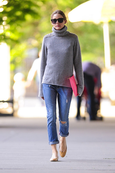 Olivia Palermo Walks Her Dogs []