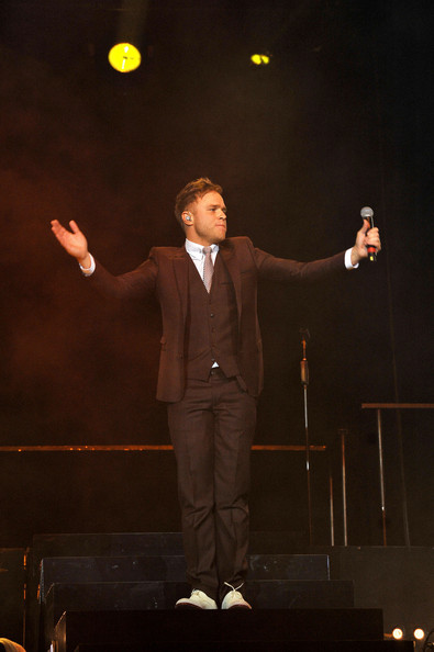 olly murs performs at the o2 arena in london 3 of 29 zimbio. Black Bedroom Furniture Sets. Home Design Ideas