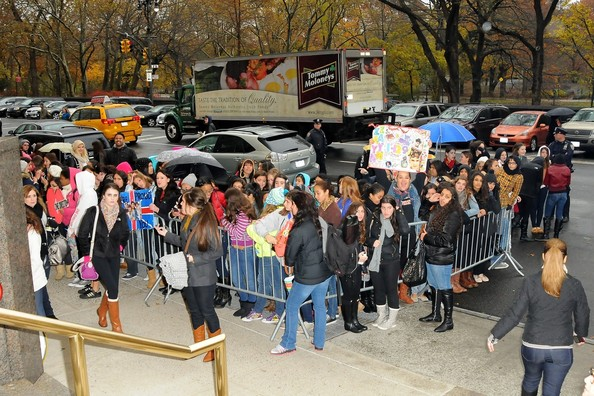 One Direction Pictures One Direction Greets Fans In NYC Zimbio
