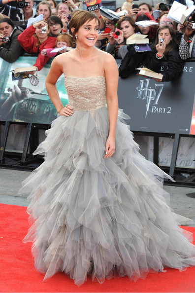 http://www2.pictures.zimbio.com/pc/Oscar+de+la+Renta+Red+Carpet+Harry+Potter+OJ3I-2AoqFGl.jpg