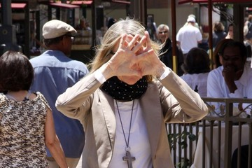 Diane Keaton PEEK A BOO! Hollywood star Diane Keaton seen trying to avoid being photographed while shopping a the Grove Shopping Centre in Hollywood