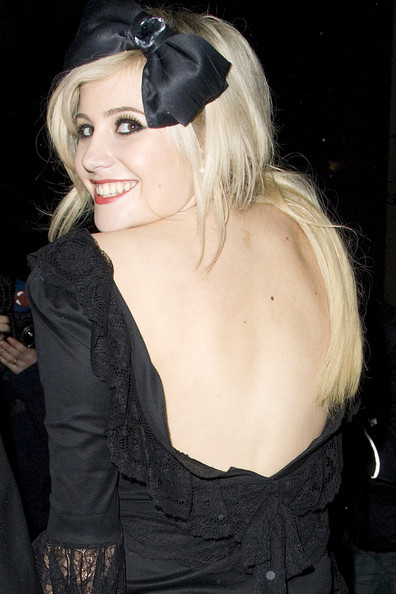 pixie lott acne. Friday, May 7, 2010