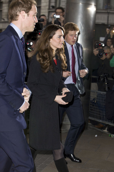 How To Address Prince William And Kate In A Letter