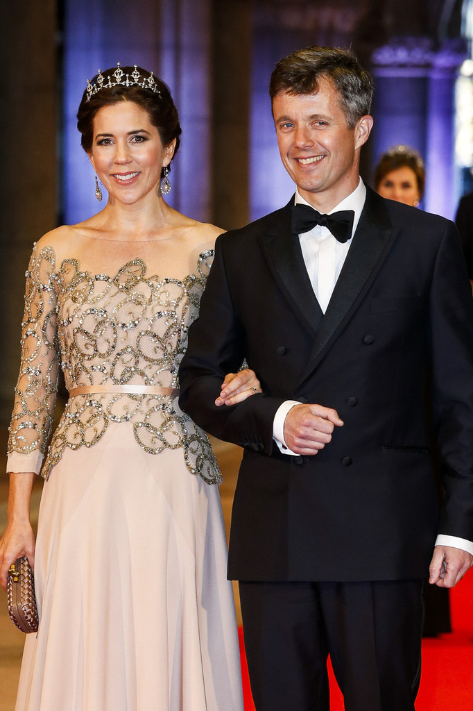 Princess Mary - Guests Arrive for a Dinner With the Royal Family