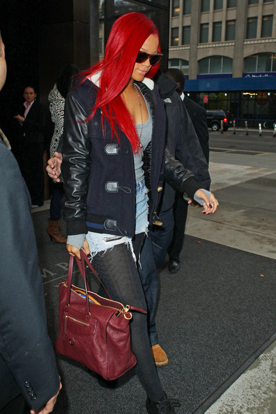 rihanna hot pants. The hotpants wearing pop
