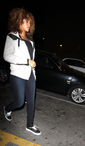 "Rihanna A downbeat looking Rihanna steps out of  ""Giorgio Baldi"" restaurant in Santa Monica. The singer has been beset by problems including water leaks at her Beverly Hills mansion and her father's recent ill health..**AUSTRALIA & NEW ZEALAND OUT**."