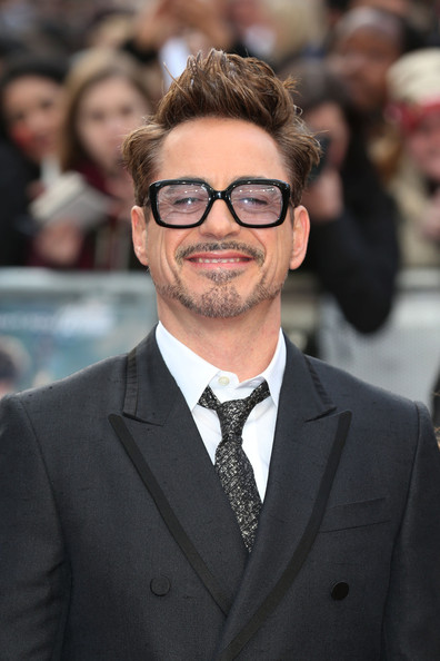 Enjoyable Robert Downey Jr Robert Downey Jr Photos Arrivals At The Natural Hairstyles Runnerswayorg