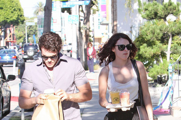 Micah Alberti Rumer Willis and Micah Alberti Leave Urth Cafe