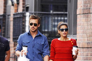 'Drive' actor and girlfriend Eva Mendes look happy and relaxed as the pair grab a coffee in New York City.