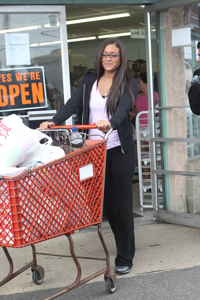 Sammi Giancola Sammi of Jersey Shore leaves a local supermarket while