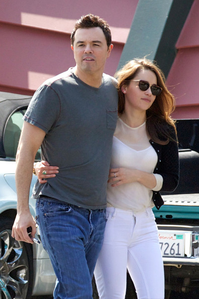 Seth MacFarlane and Emilia Clarke Photos Photos - Seth ...