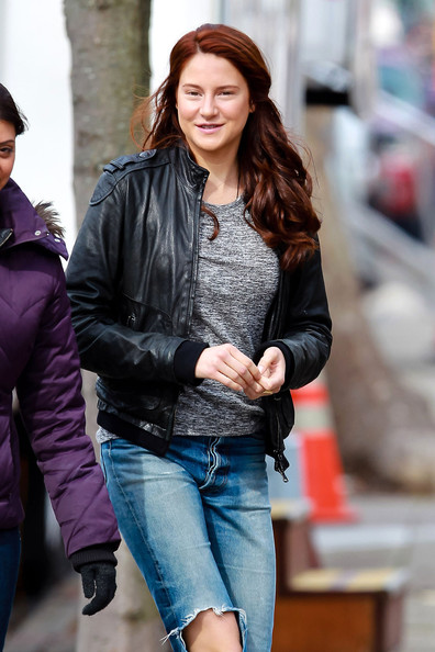 Shailene Woodley Pictures - Andrew Garfield and Shailene ...