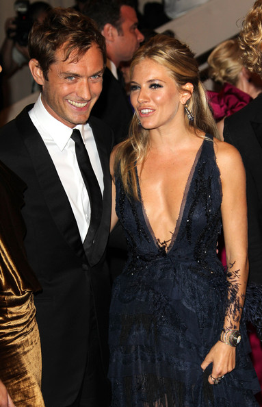 Sienna Miller and Jude Law make
