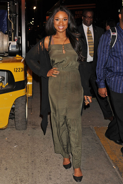 Singer Jennifer Hudson at the 2nd Annual Mary J. Blige Honors Concert at Hammerstein Ballroom in New York. Jennifer, who has dropped four dress sizes in recent months, was sporting a khaki silk maxi dress to the event.