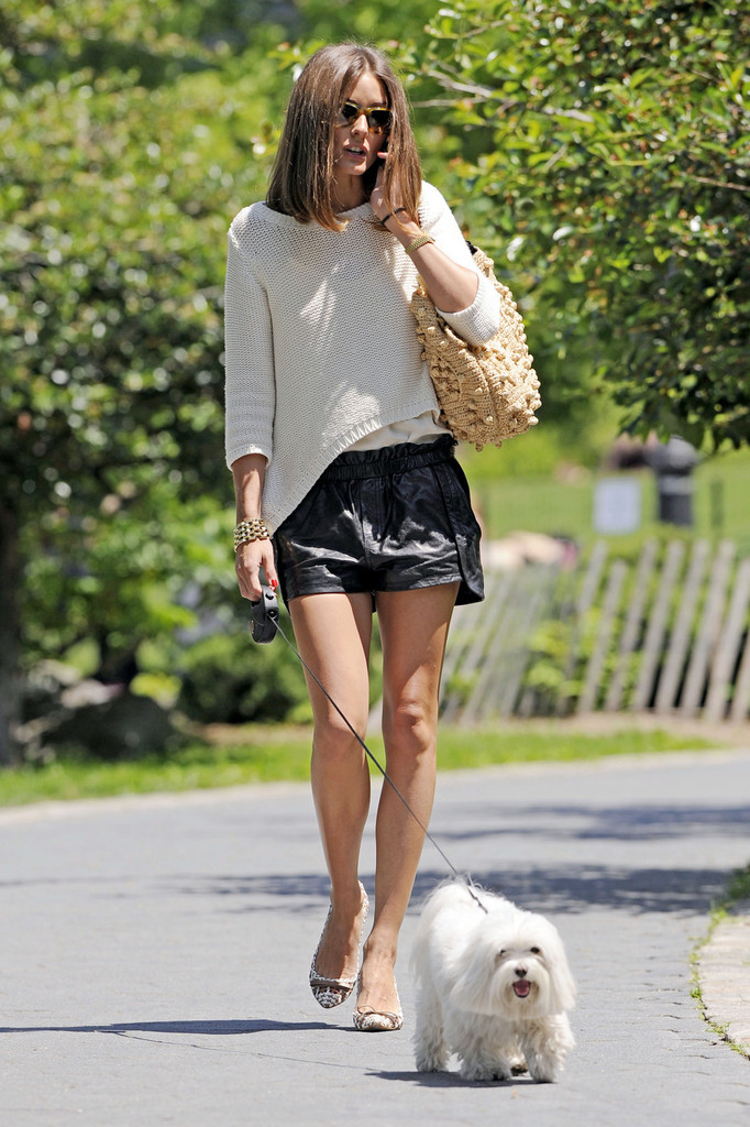 Olivia+Palermo in Olivia Palermo Walks the Dog in NYC