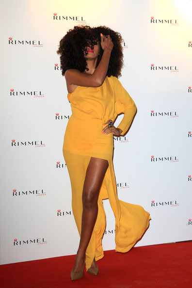 NEWS sobre Solange 'Single: Losing You (VIDEO PÁG 6)' - Página 4 Solange+Knowles+Kate+Moss+Rimmel+Party+London+69PwwzSArIRl