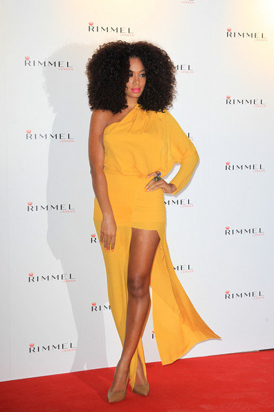 NEWS sobre Solange 'Single: Losing You (VIDEO PÁG 6)' - Página 4 Solange+Knowles+Kate+Moss+Rimmel+Party+London+v1iDy3BhmdAl