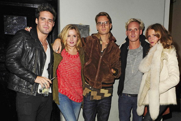 caggie and proudlock dating Funda onal, who went out with made in chelsea's spencer matthews, and scott sullivan, who has dated caggie dunlop and katie price, are having a baby.