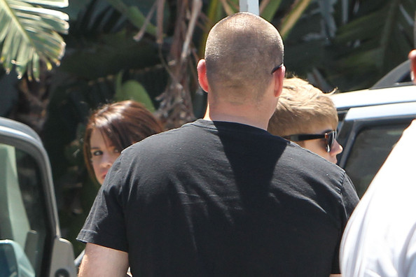 Superstar Justin Bieber visit his actress girlfriend Selena Gomez at a studio in Los Angeles.
