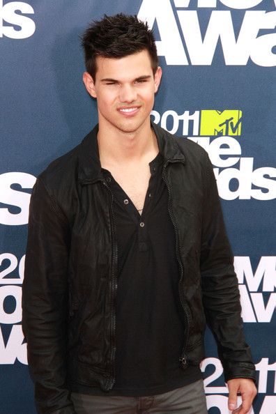 taylor lautner masturbating webcam added