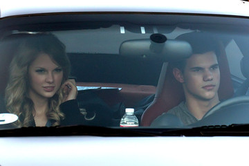 Taylor Swift Taylor Lautner Taylor Swift and Taylor Lautner on Set