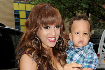 Tia+Mowry+Tia+Mowry+shows+off+adorable+baby+eQxwvTMQn-xm.jpg