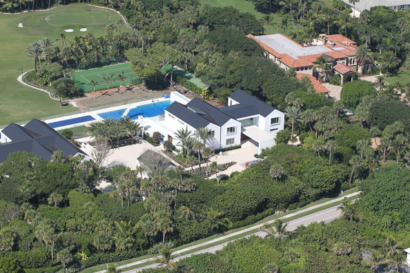 Tiger woods in tiger woods owns this 12 acre 80 million Images of tiger woods house