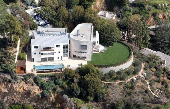 photo: house/residence of beautiful attractive talented  20 million earning  Los Angeles, California-resident
