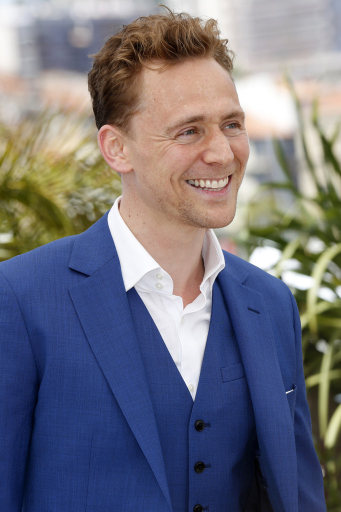 http://www2.pictures.zimbio.com/pc/Tom+Hiddleston+Only+Lovers+Left+Alive+Photo+FC8D0iSyKslx.jpg