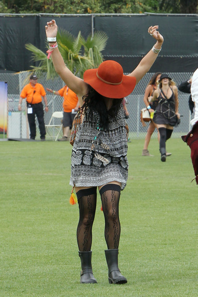 Vanessa Hudgens - Vanessa Hudgens and Austin Butler at Coachella 2