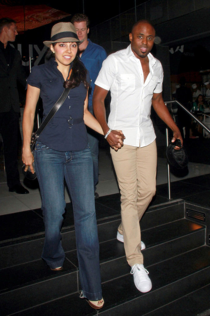 wayne brady dating 2014 Wayne alphonso brady (born june 2, 1972) is an american actor, singer and comedian who show dirt, and also guest-starred on 30 rock as steven black, liz lemon's date for the source awards in 2013, bill maher compared brady to president barack obama, in that they were both supposedly not black enough.