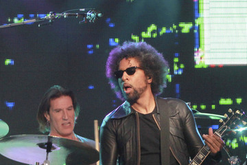 William DuVall William DuValln Performs in LA