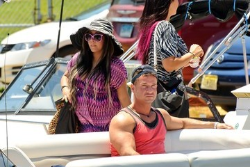 Mike Sorrentino Nicole Polizzi 'Jersey Shore' Stars Rocket Over the Water