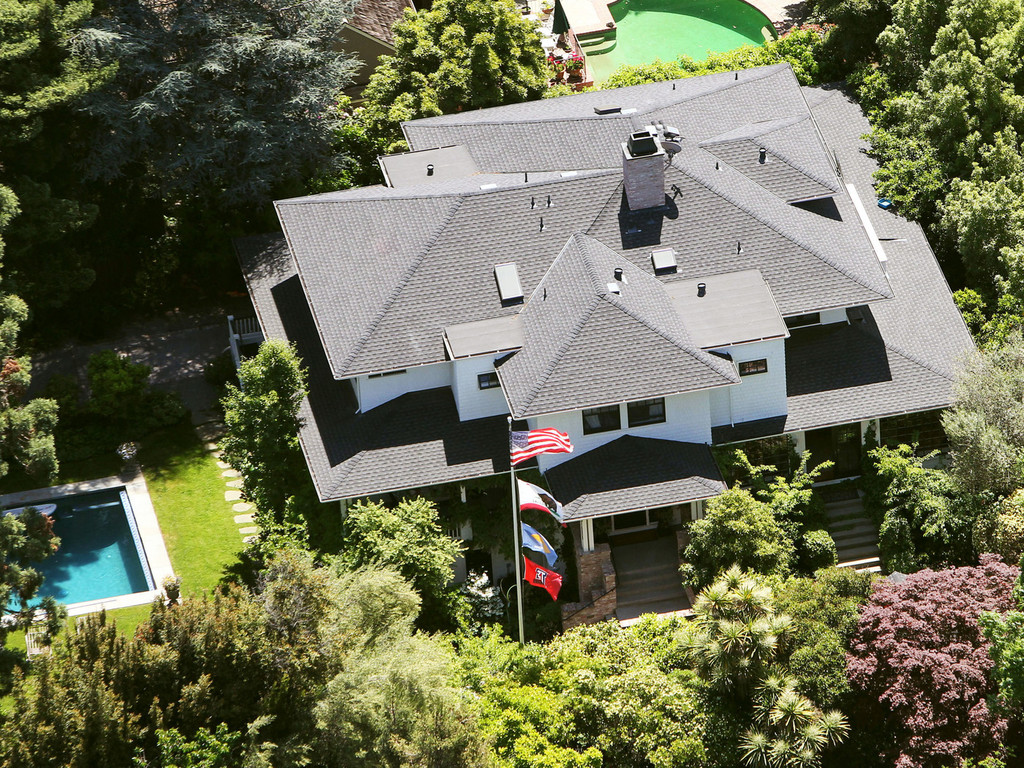 Pictures mark zuckerberg 39 s new 7 million house mark for Pic of home
