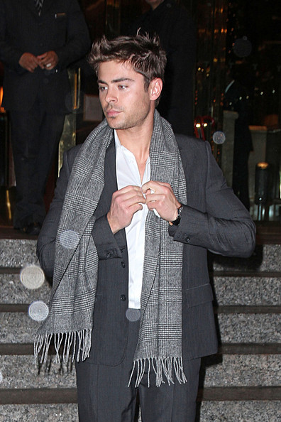 Zac+Efron in Zac Efron Leaves His Hotel in NYC