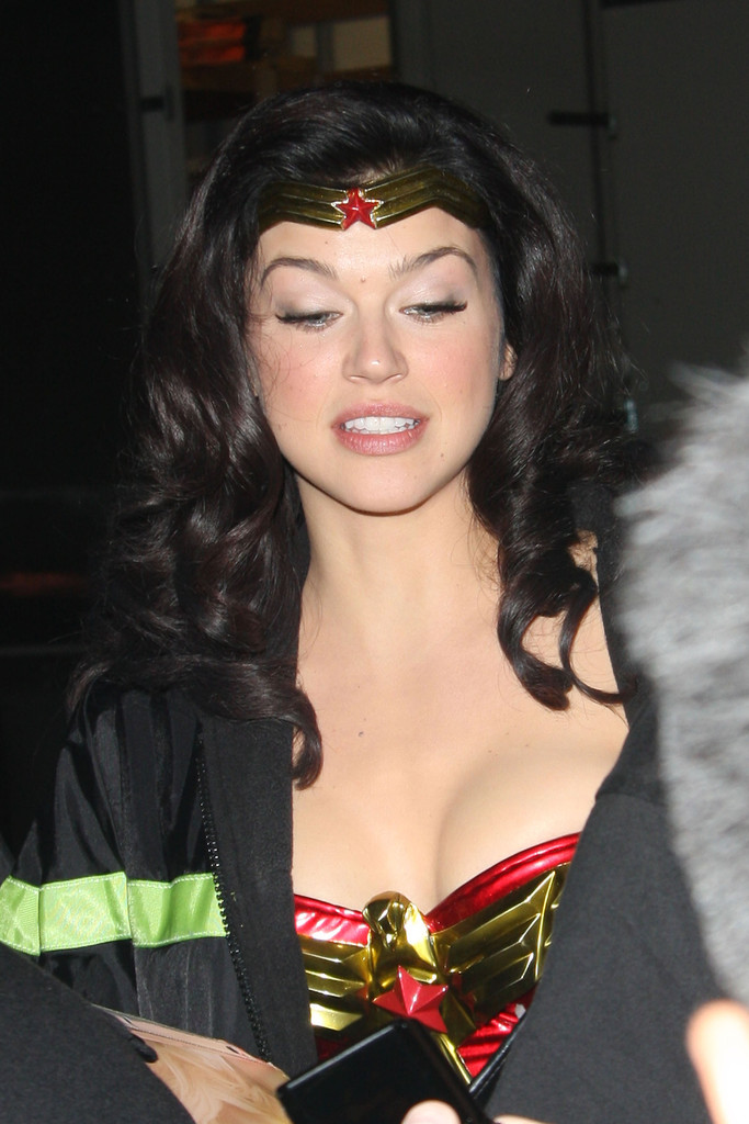Adrianne palicki wonder woman - 1 4