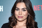 Sophie Simmons Medium Curls