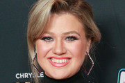 Kelly Clarkson Messy Updo