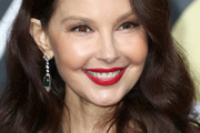 Ashley Judd Medium Wavy Cut