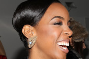 Kelly Rowland Bobby Pinned updo