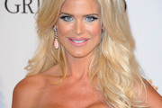 Victoria Silvstedt Long Wavy Cut