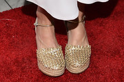 Julie Bowen Platform Pumps