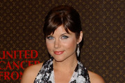 tiffani thiessen short hair