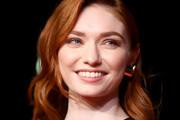 Eleanor Tomlinson Medium Wavy Cut