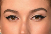 Hailey Baldwin Cat Eyes