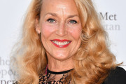Jerry Hall Medium Curls