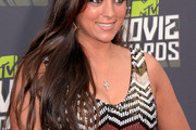Sammi Giancola Long Wavy Cut